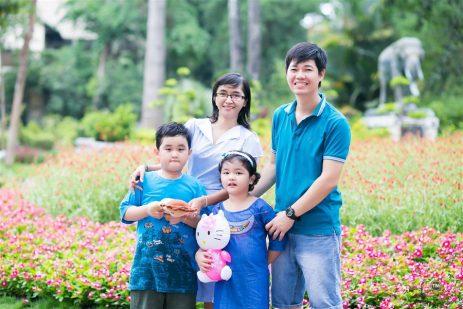 chụp hình gia đình và em bé